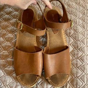 Ecote low platform sandal